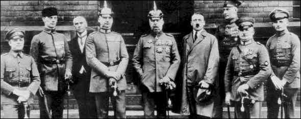 File:Beer Hall Putsch 2.PNG