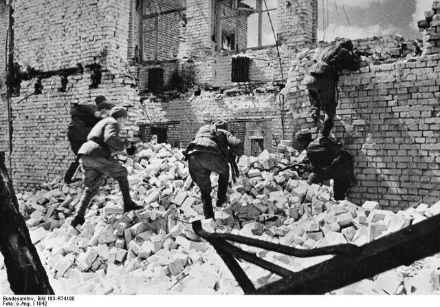 File:Bundesarchiv Bild 183-R74190, Russland, Kesselschlacht Stalingrad.jpg