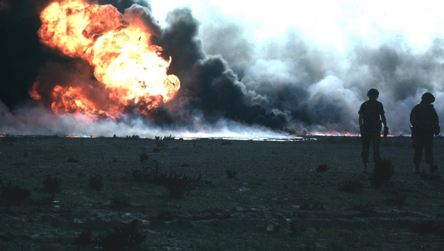 File:Kuwait burn oilfield.png