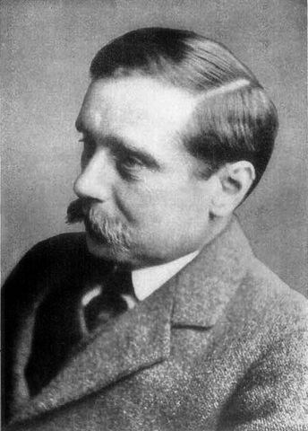 File:H G Wells pre 1922.jpg