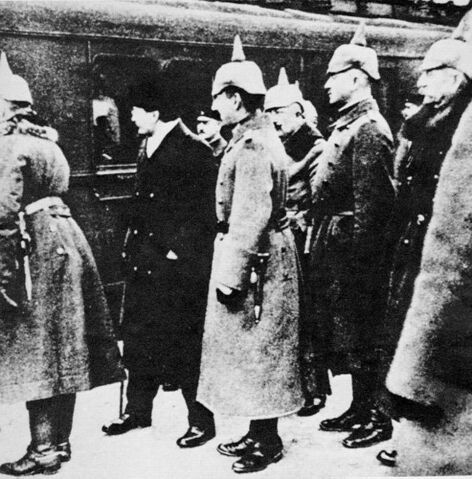 File:Германская делегация в Белграде.jpg