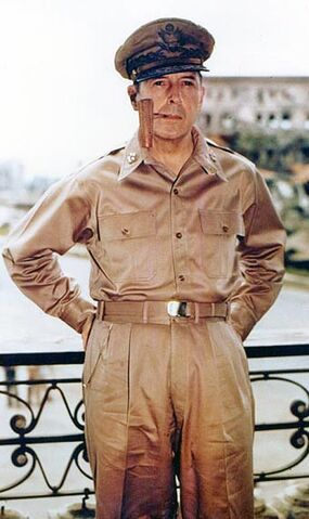 File:MacArthur Manila.jpg