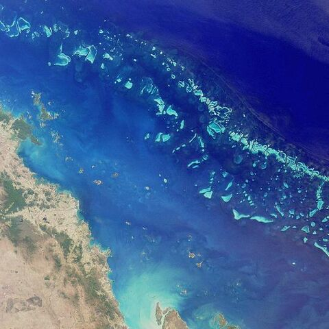 File:GreatBarrierReef-EO.jpg