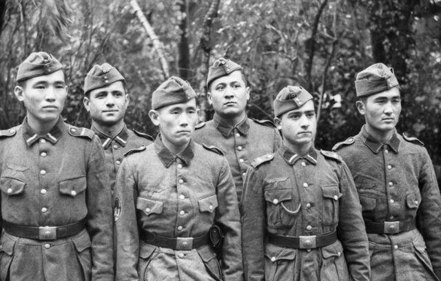 File:Bundesarchiv Bild 101I-295-1560-21, Nordfrankreich, Turkmenische Freiwillige.jpg