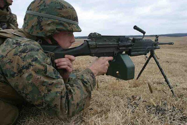 File:800px-USMC M249 SAW PIP.jpg