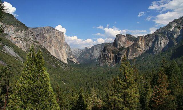 File:800px-YosemitePark2 amk.jpg