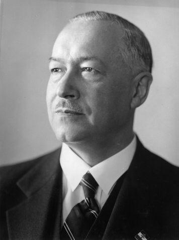 File:Kálmán Darányi.jpg