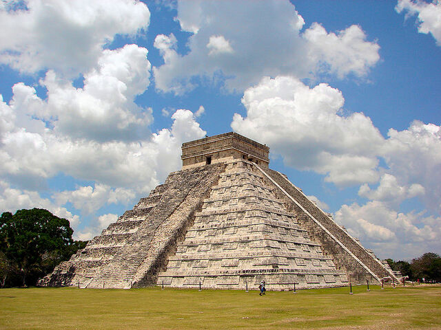 File:800px-Chichen-Itza-Castillo-Seen-From-East.jpg