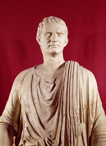File:Lucius Sulla Statue.jpg
