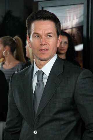 File:Mark Wahlberg Max Payne 2008.jpg