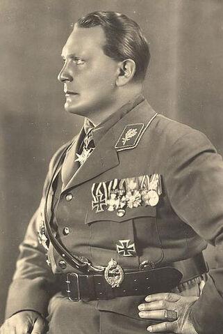 File:401px-Goering1932.jpg