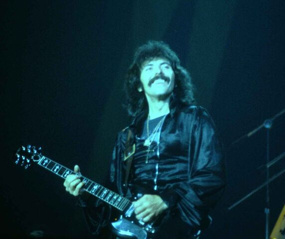 File:Tony Iommi.jpg