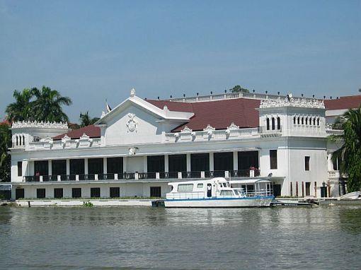 File:Malacanang palace view.jpg