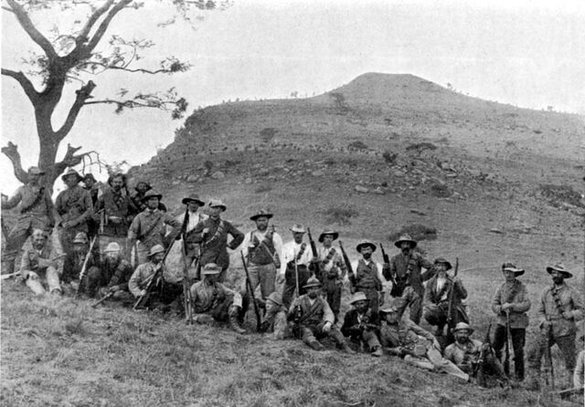 File:Boers at Spion Kop, 1900 - Project Gutenberg eText 16462.jpg
