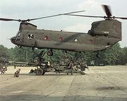 300px-CH-47 2