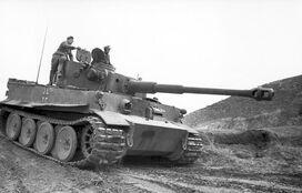Bundesarchiv Bild 101I-554-0872-35 2C Tunesien 2C Panzer VI 28Tiger I 29