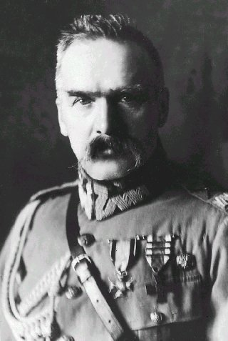 File:Pilsudski.jpg