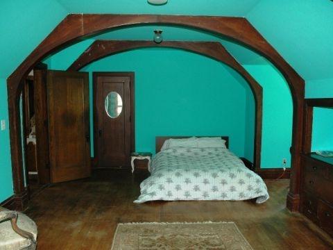 File:VioletandTatesbedroom.jpg