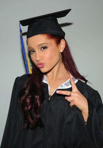 File:Ariana Grande 005.jpg