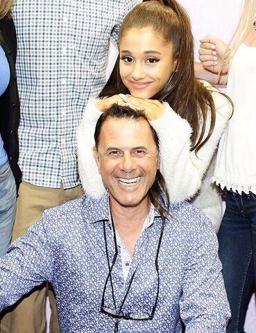 File:Ariana-eddie-april-2015.jpg