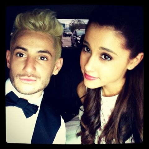 File:Ariana-grande-frankie-grande-01.jpg