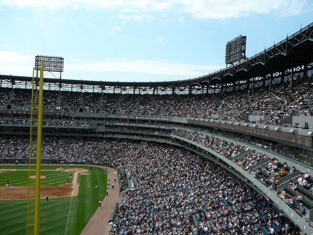 File:U.S. Cellular Field-1195687548-732.jpg