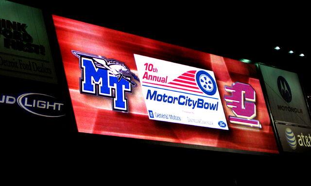 File:Motor City Bowl-1199058871-593.jpg