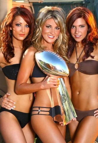 File:03-hot-cheerleaders.jpg