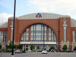 File:AmericanAirlinesCenter.jpg