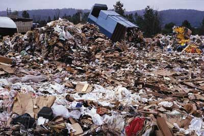 File:1189399330 Garbage pickup.jpg