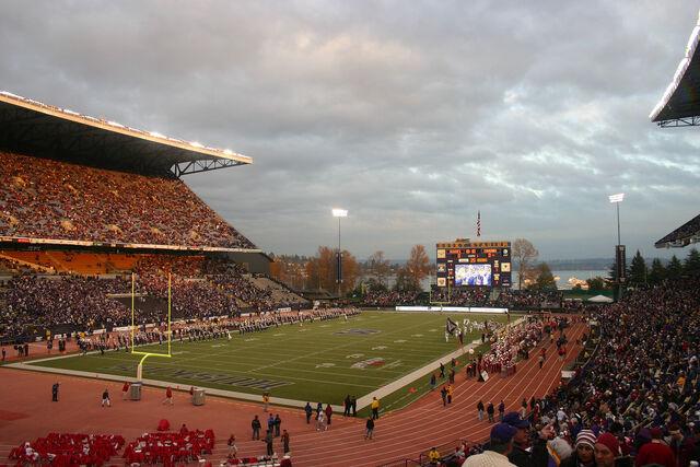 File:Husky Stadium2.jpg