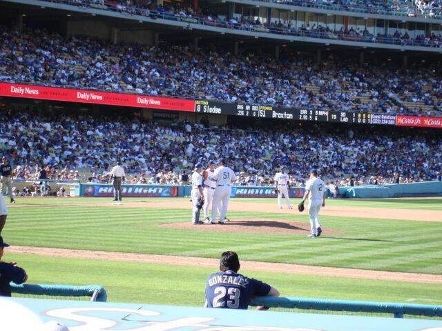 File:Dodger Stadium-1195663710-558.jpg