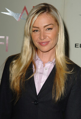 File:2004 AFI Awards - Portia de Rossi.jpg