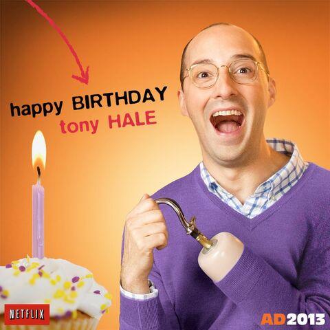 File:Tony Hale AD-Netflix.jpg