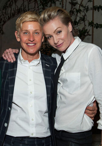 File:Portia & Ellen - Huffington Book Party 1.jpg