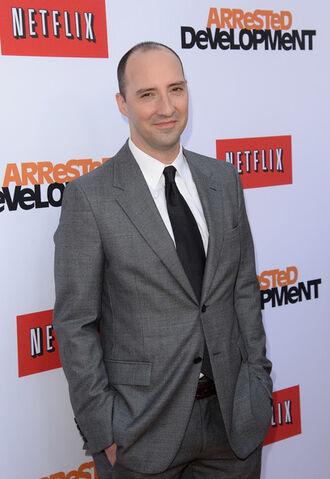 File:2013 Netflix S4 Premiere - Tony Hale 2.jpg