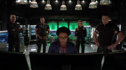 Curtis helps Team Arrow