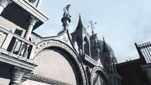 File:Basilica di San Marco statues.jpg