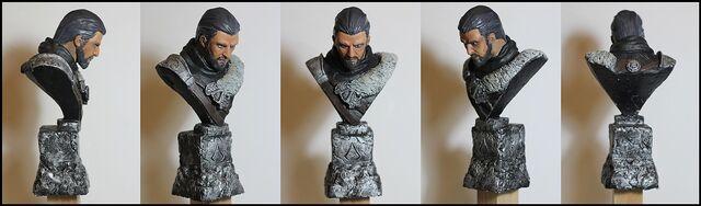 File:Ezio Sculpture Bust by Mufizal.jpg