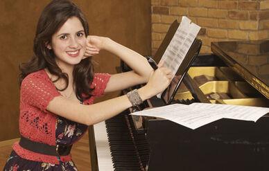 Aa13---Laura-Marano
