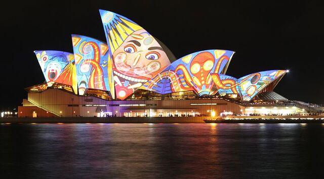 File:Sydney Opera House, vivid Sydey.JPG