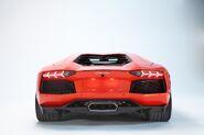 Lamborghini-aventador-lp700-4---12
