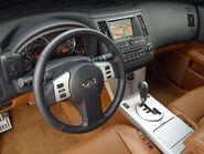 2005 FX45 interior