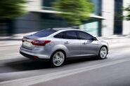 2011-Ford-Focus-27