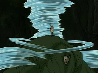 קובץ:Aang fights Swamp Monster.png