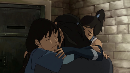 File:Korra and Senna hug Tonraq.png