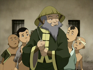 Iroh and Earth Kingdom children