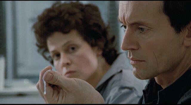 File:Ripley sees Bishop's blood.jpg