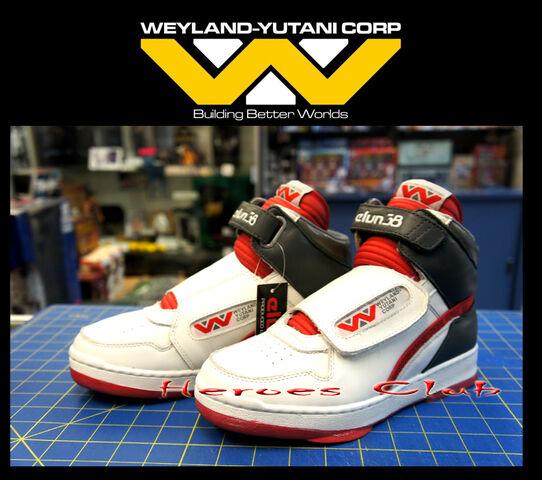 File:AlienSneakers2014.jpg