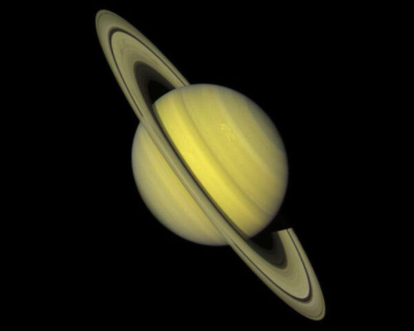 File:Saturn-cassini-March-27-2004.jpg